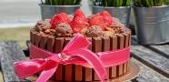 kitkat-cake-small